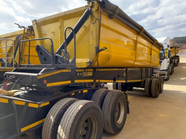 2011 TOP Trailer 40 Cube Interlink Side Tipper